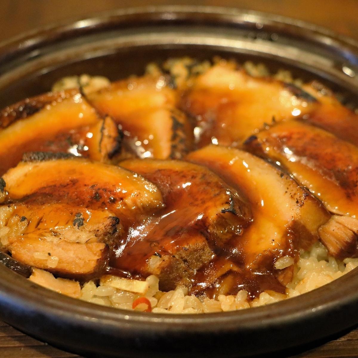 【名物】土鍋炊き角煮ご飯