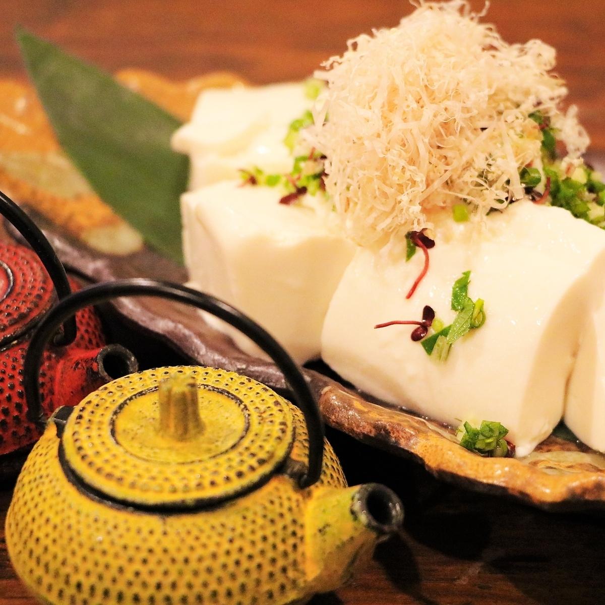 【オススメ】温・すくい豆腐~選べるお醤油で~