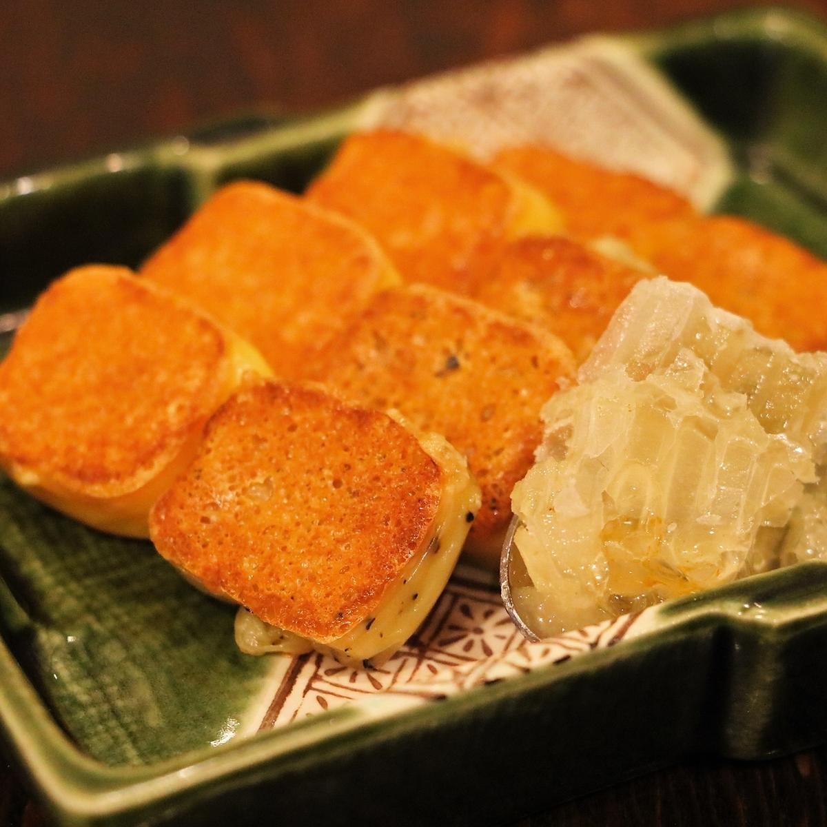 【オススメ】焼きチーズと巣蜜