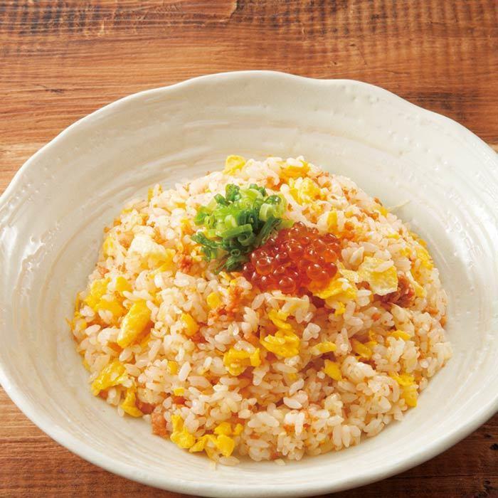三文魚和炒飯炒飯