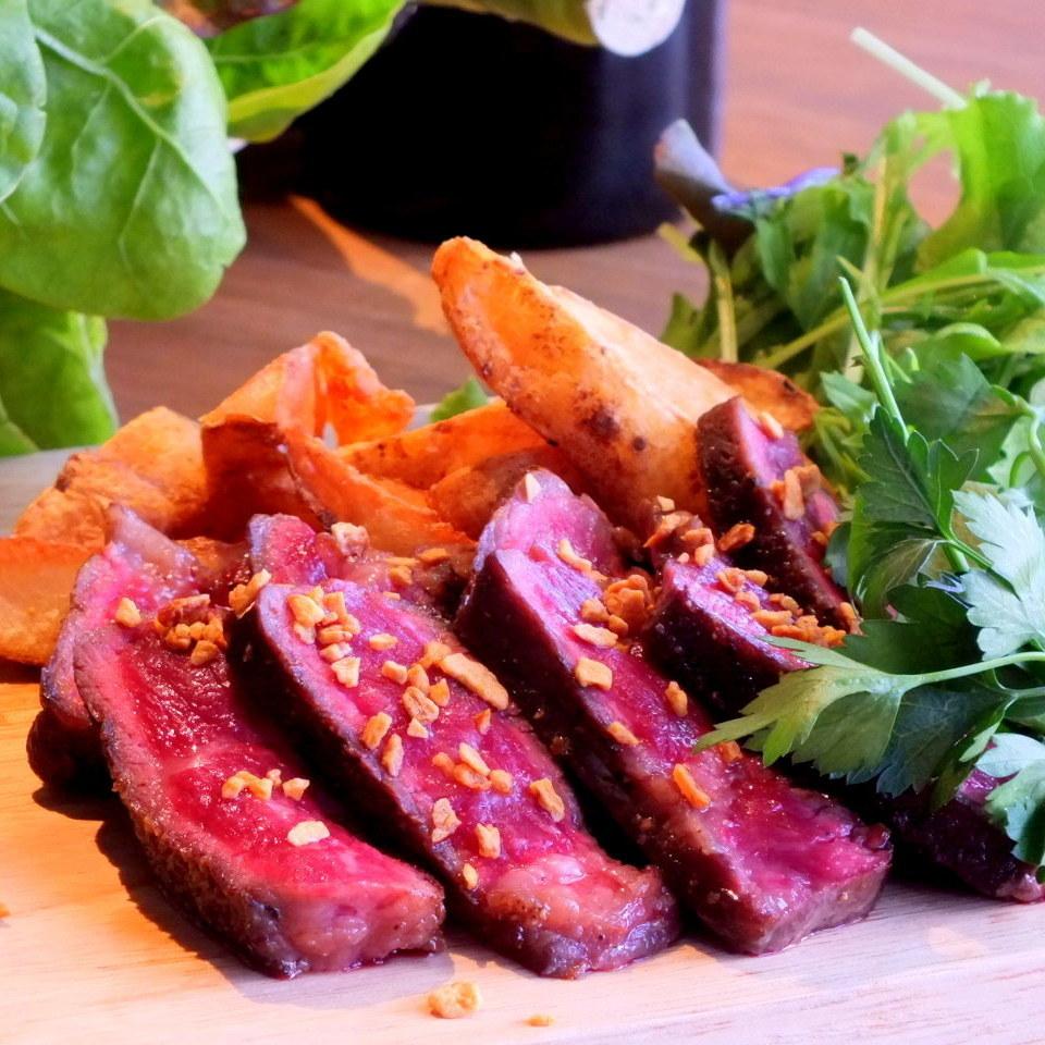 時尚的紅肉是健康的,與酒精兼容◎