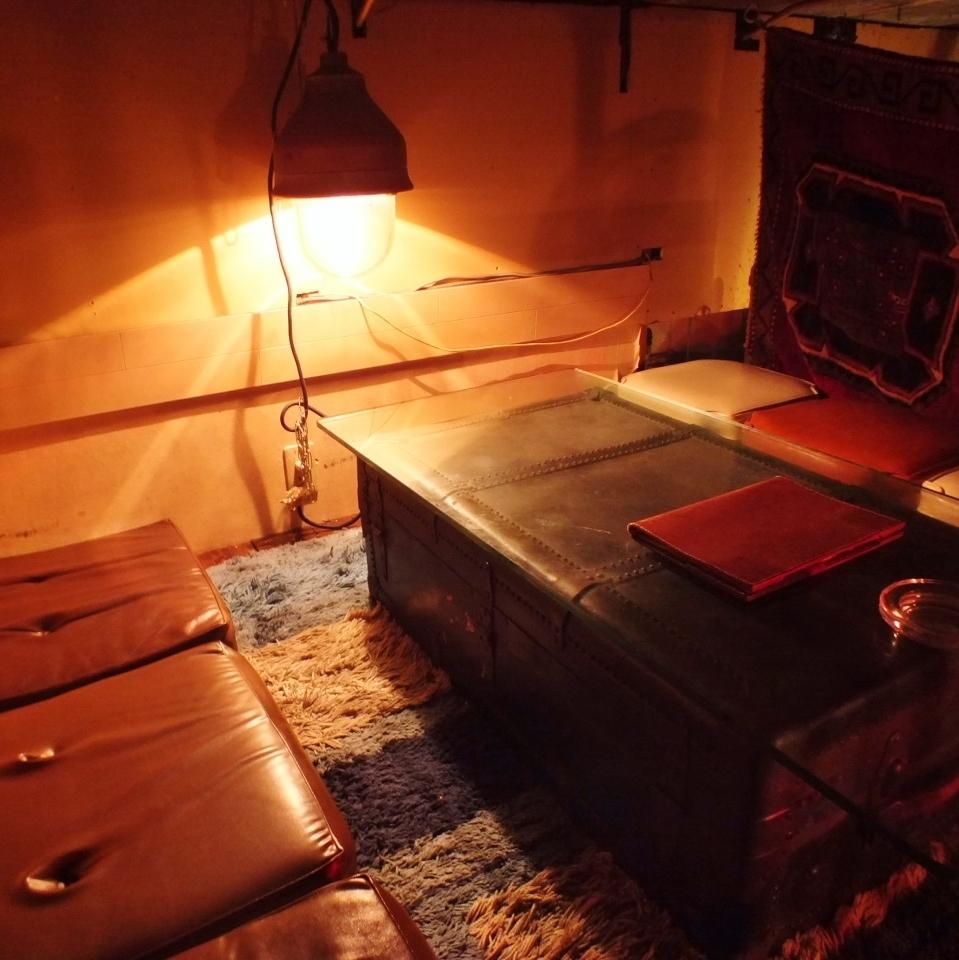【商店内4~6人座位】唯一的阁楼房间可以通过脱鞋来放松♪这是一个隐藏的空间,就像在房子的阁楼里!