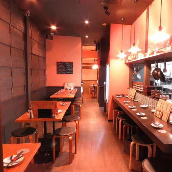 Oshare izakaya in Katamachi ☆ There is no doubt that the interior of the designer supervision can spend the bliss time.