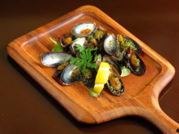 ムール貝のガーリックバターオーブン焼き