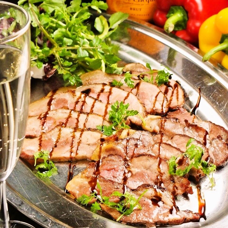 烤猪肉烤猪肉Fondo vau Yamanaki调味汁