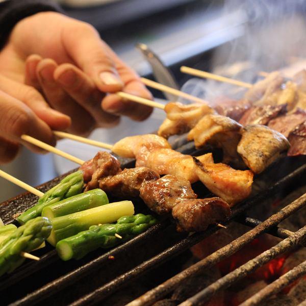 它提供了使用木炭最好煮熟。豐富的菜單,這是對齊到另一個網站賣。