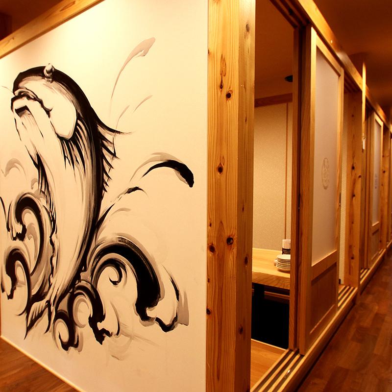 【2F】【2F】完全独立的房间,最多可容纳60人,小团体!完整的私人房间可供10人,20人和30人使用。