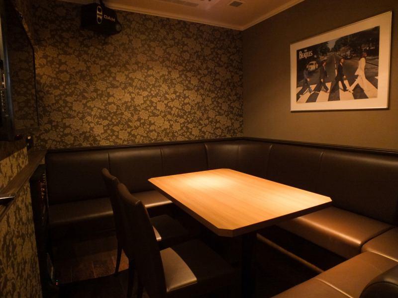 3Fの個室は全4部屋!ゆったり寛げる大人の空間で6名/8名/10名/12名で楽しめる完全個室をご用意しております♪
