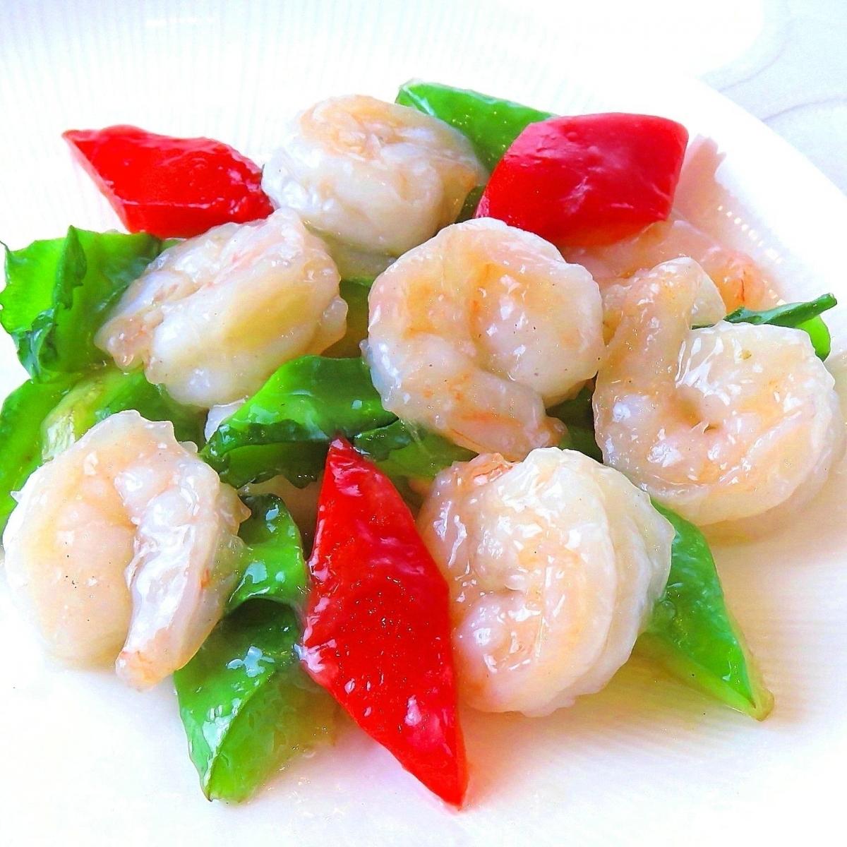 炒鹹的時令蔬菜和蝦