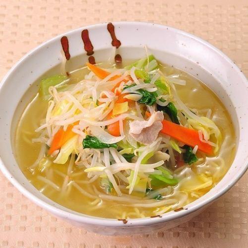たっぷり野菜の塩タンメン