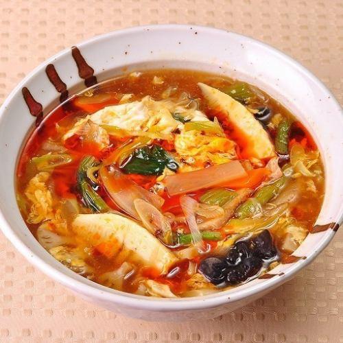 酸辣湯麺(サンラータンメン)