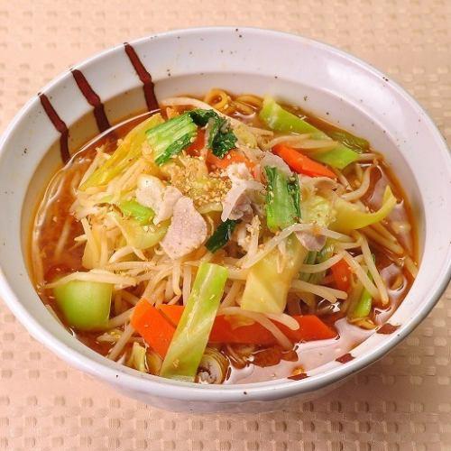 たっぷり野菜の味噌タンメン