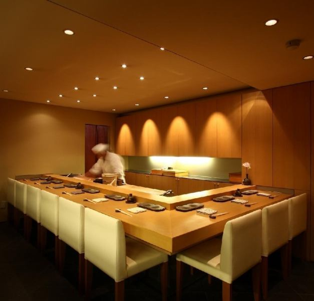 Atmosphere full of counter seats of longing.~ Luxurious taste - a graceful dip in the Ginza, please enjoy the space of relaxation.
