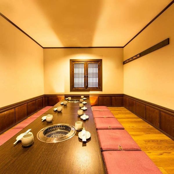 【Kuroge Wagyu Beef Specialty Yakiniku Shop】 We will prepare a spacious dinner seat for you to enjoy the delicious meat of our specialty.Charts are also available.We are waiting for requests etc.