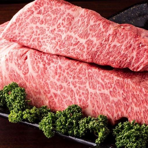 """2小时所有你可以喝所有13项""""黑毛和牛牛肉套餐""""6200日元⇒5700日元(不含税)在聚会/饮酒派对◎"""
