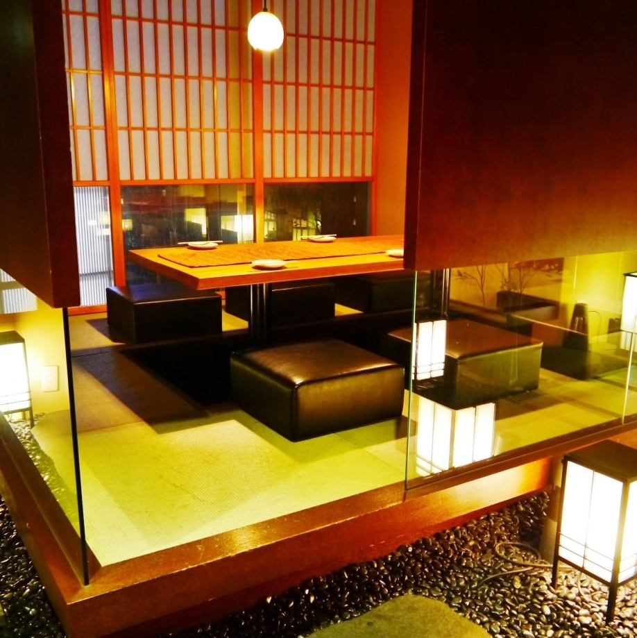 一個充滿感情的日式房間是一個小成人約會◎