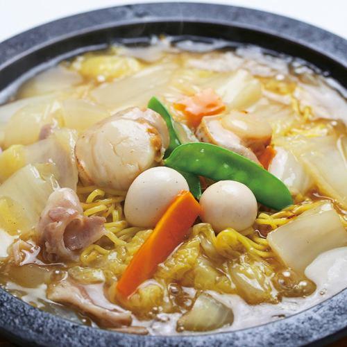 小樽的特產:海鮮安卡燒炒麵