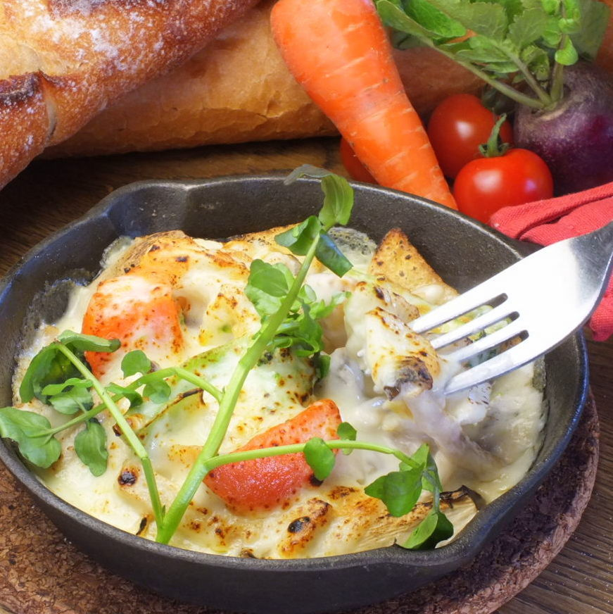五顏六色的蔬菜和蘑菇的拉克萊特風格