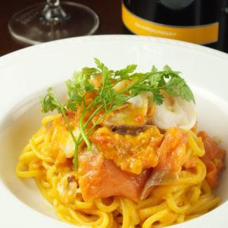 Seafood and tomato flavor of seafood