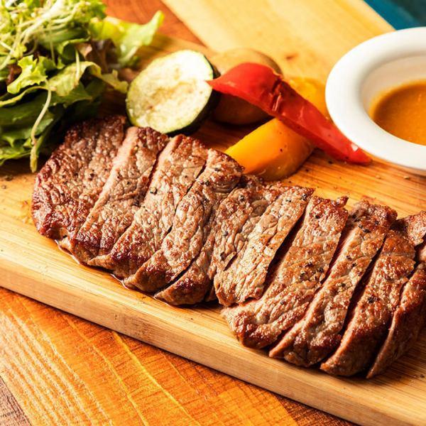 【約185g!肉食女子も大満足◎】肉のうま味が堪らない!クラシックサーロイン