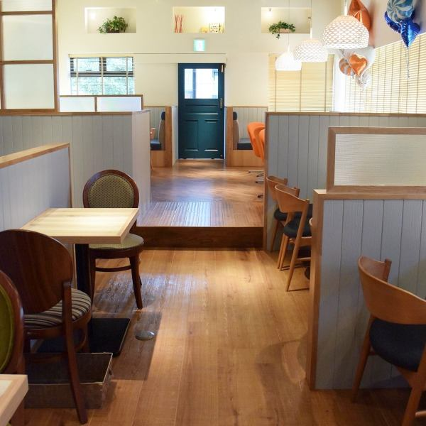 Stylish cafe space for lunch and girls meetings, we also offer chartered in the evening you can use cafes in various scenes ♪ 50 people or more ◎