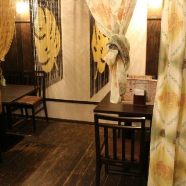"As the name of ""Chao Pak-Chi"", you can enjoy a variety of porky dishes using fresh pasta.There is also a half-room space that calms down in the store.This is a semi-private room partitioned by curtains and bamboo goodwill.Party space for up to 10 people ★"