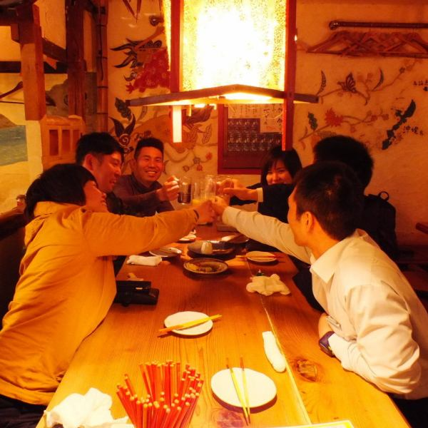 The handmade interior that feels Okinawa is masterpiece! It looks like it is at home in the ocean ♪ Girls talk also gets excited!