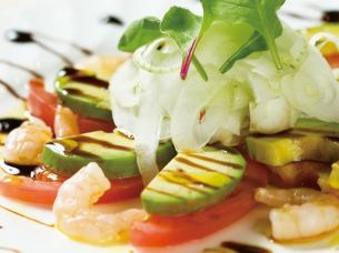 Salad with small shrimp and avocado