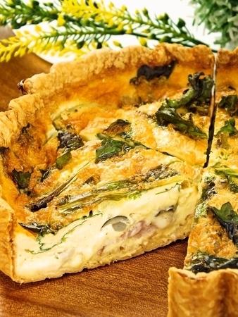 季節野菜とチーズのキッシュ