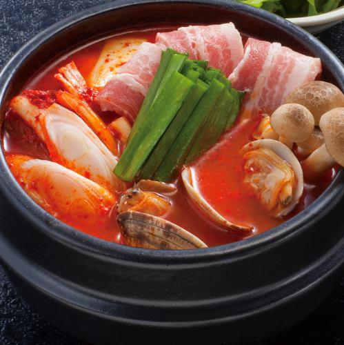 山形県産 米の娘豚使用 純豆腐鍋