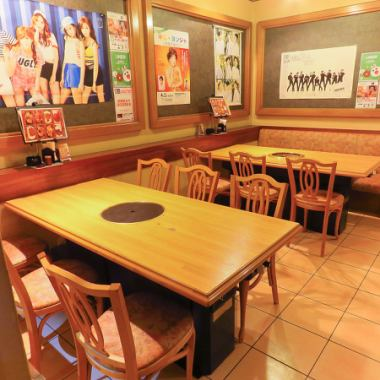 You can use the table seat according to your scene such as seat for samgyeopsal or seat for grilled meat.There is also a spread table seat that you can sit up to 6 people, so it is perfect for family and friends!