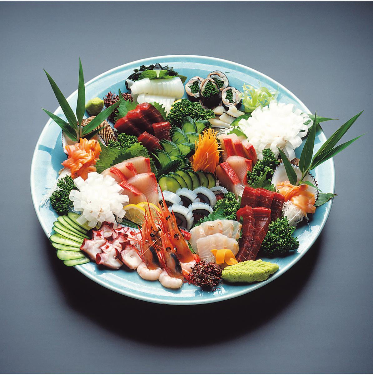 Assorted sashimi (4 to 5 people)
