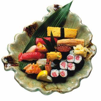 【Assorted sushi and sashimi platter】