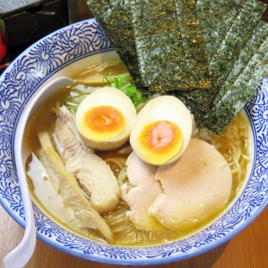 "Ramen and Tsukemen getting with W soup which combines ""thick chicken white soup"" and ""boiled soup"""