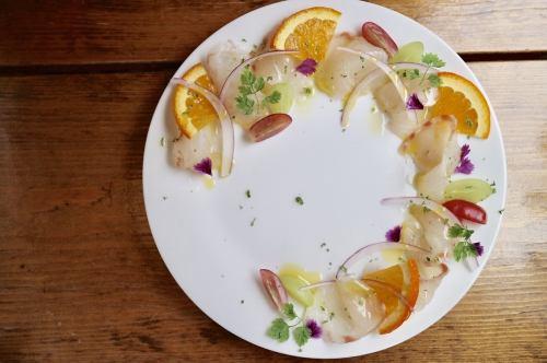 A 旬魚のカルパッチョ