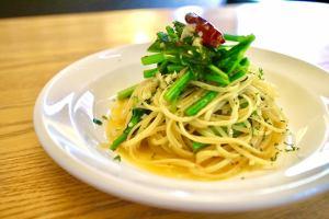たっぷり青菜のペペロンチーノ