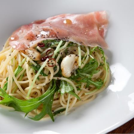 生ハムと水菜のペペロンチーノ