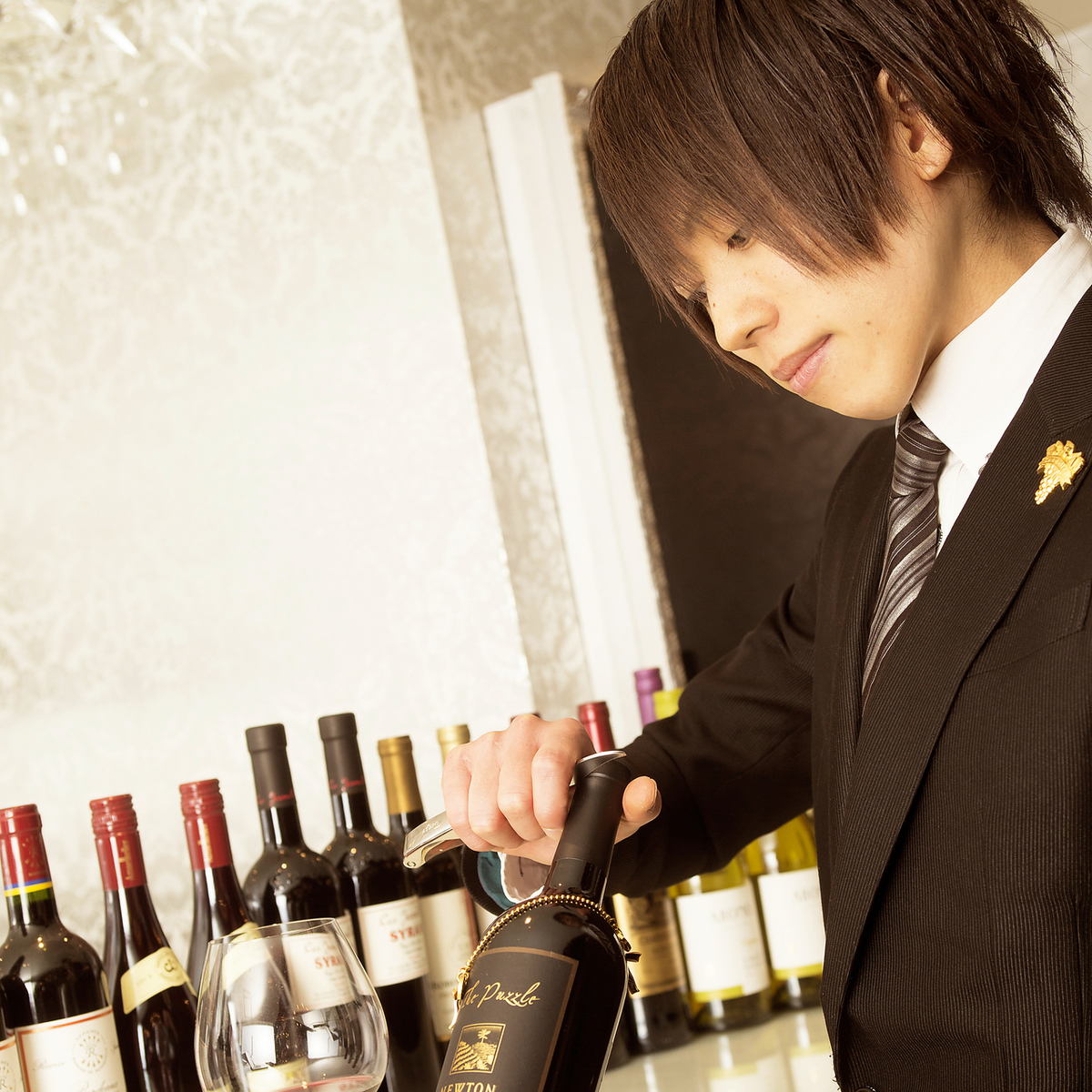 Sommelier with a background as a hotel bartender is enrolled