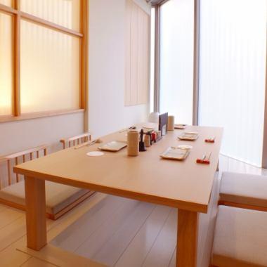 接待やおもてなしに使える和個室。人気のためお早めにご予約ください。