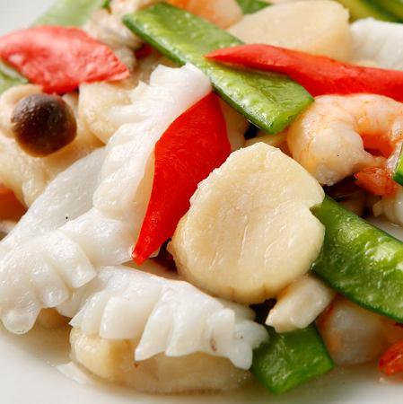 虾,鱿鱼,扇贝stir炒XO酱