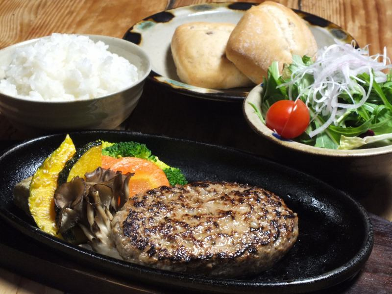 Char-grilled dish dinner plate