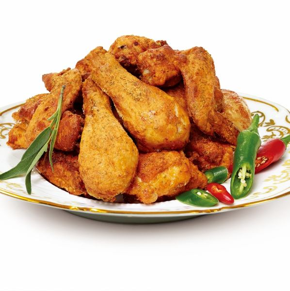 First of all, this is GOONE CHICKEN! Spicy, mellow, drink and juice also goes well.Taste that you want to eat when you notice ...