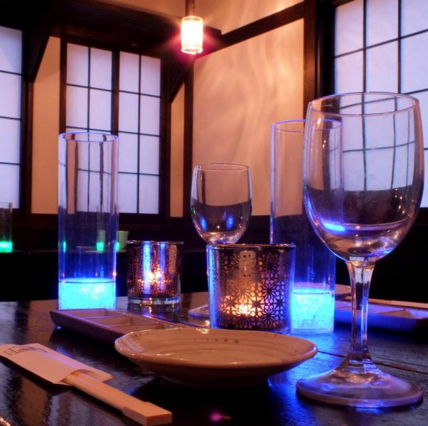 【Half-room with OK for 2 to 4 people】 This is a semi-private room seat perfect for dates and girls' sociations.You can relax without having to worry about surrounding in private space.Yokohama / Yokohama Station / Izakaya / Banquet / All you can drink / 3 hours / private room / girls party / date]