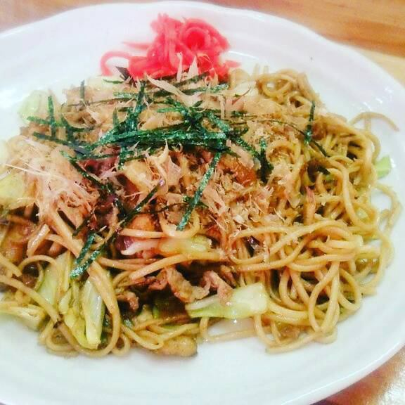 Utauma fried noodles with middle thick noodles ♪