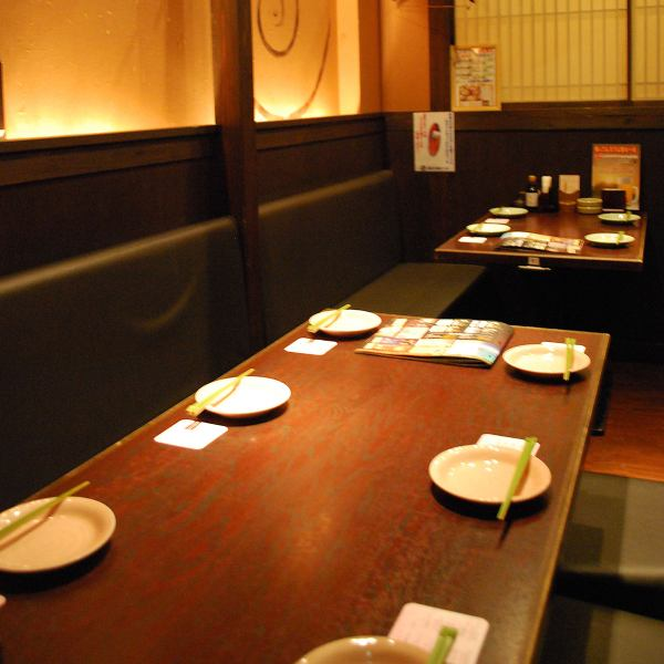 If you enjoy talking with couples and friends, this table is recommended.There is also a private room for 4 and 6 people.