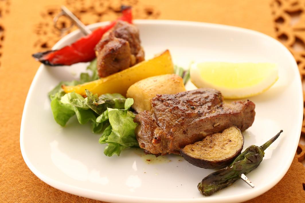 Moruno摩洛哥風味串1〜(羊肉)