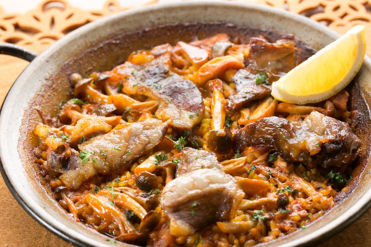 Iberian pig and mushroom Paella