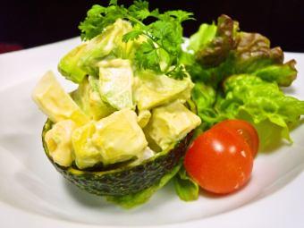 鳄梨和虾沙拉鞑靼