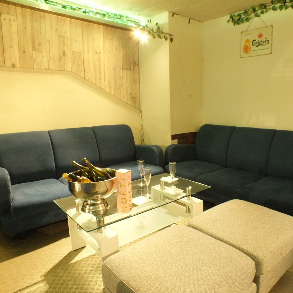 Girls' Union, Competition etc ◎ Sofa Seats Possible for Up to 12 People ★