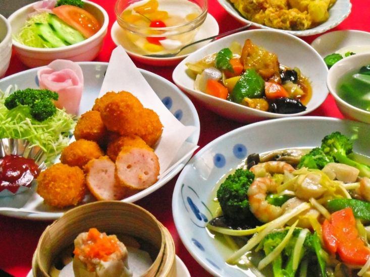 本場中国から来た料理人が腕をふるう、漢方を取り入れた広東料理が美味しい。